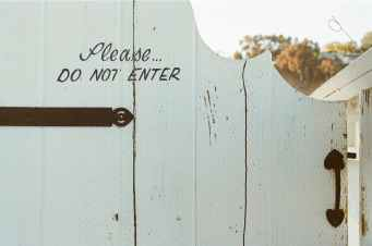 typography-white-door-fence.jpg